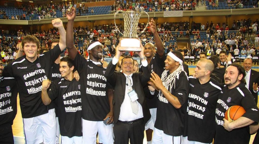 2012 EuroChallenge Cup şampiyonu Beşiktaş Milangaz