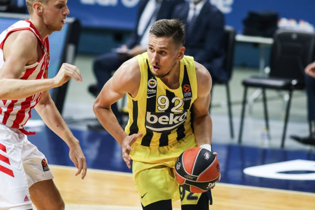 Turkish Airlines Euroleague - Fenerbahçe Beko - Crvena Zvezda - Edgaras Ulanovas