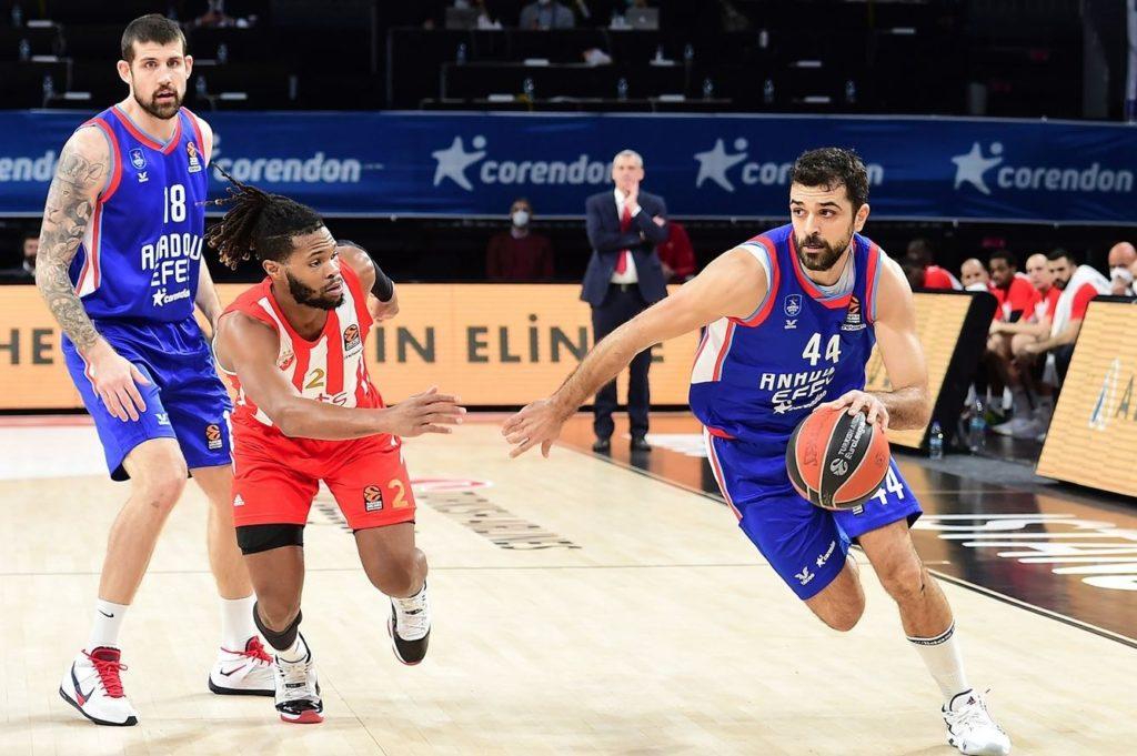 Turkish Airlines Euroleague - Anadolu Efes - Crvena Zvezda - Krunoslav Simon