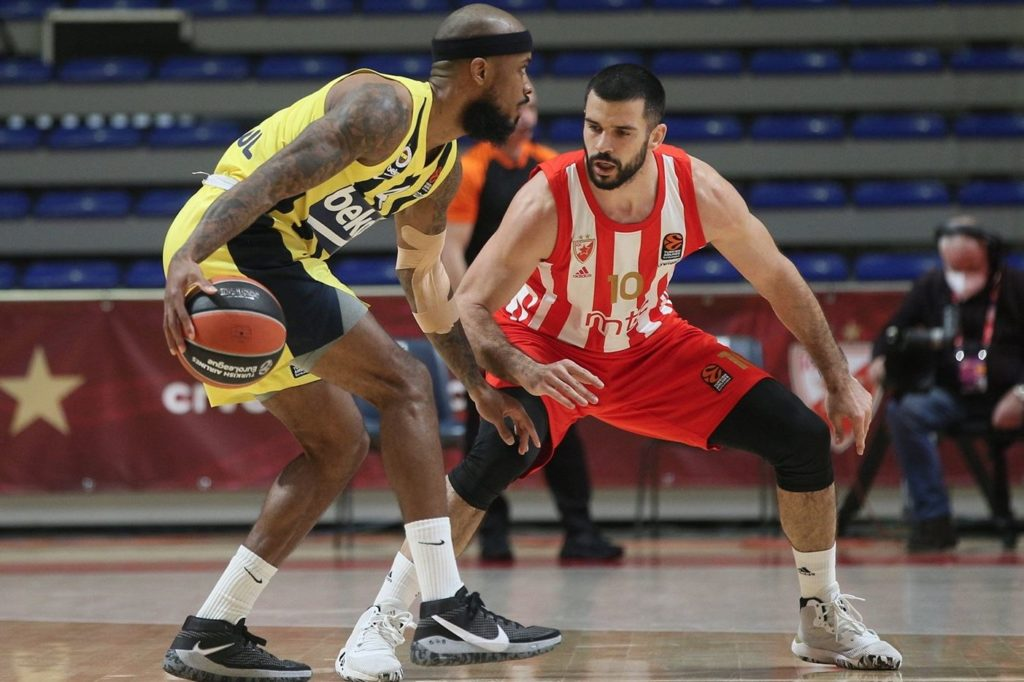 Turkish Airlines Euroleague - Crvena Zvezda - Fenerbahçe Beko - Lorenzo Brown