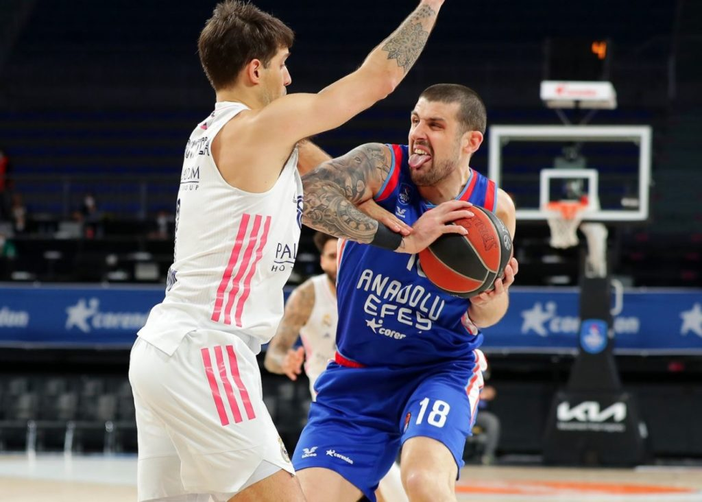 Turkish Airlines Euroleague Play-Offs - Anadolu Efes - Real Madrid - Adrien Moerman